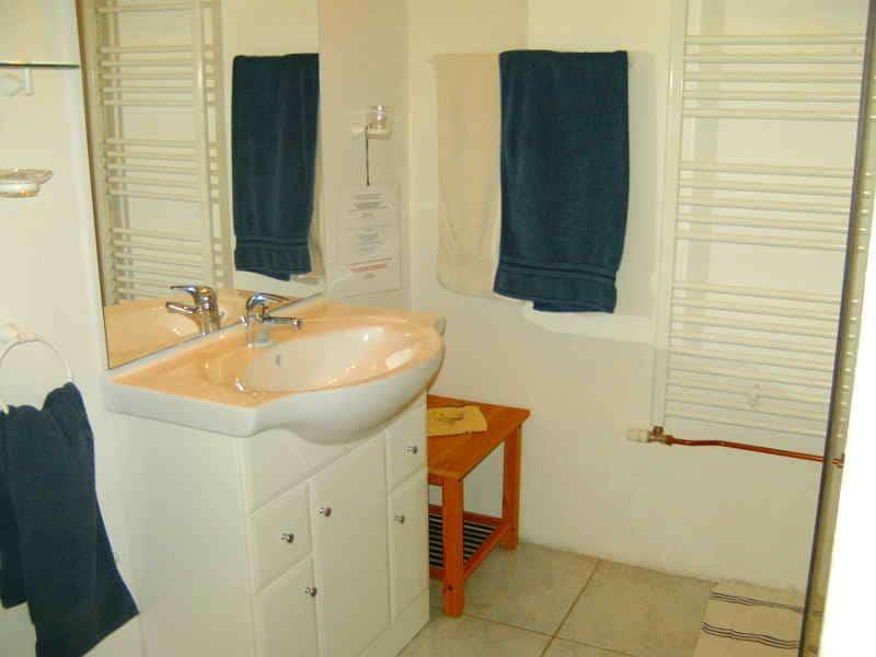 Badkamer op A-Rigaud-kamer1