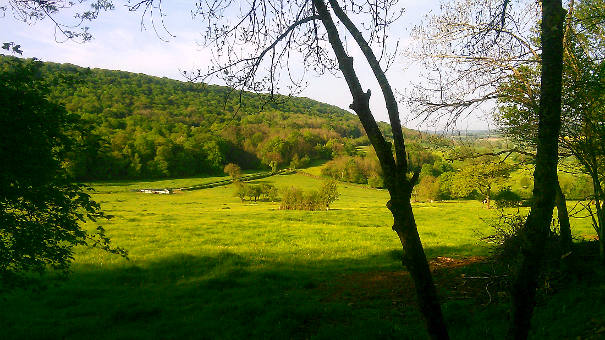 Uitzicht op het dal vanaf de Bron bij A-Rigaud, B&B in Frankrijk